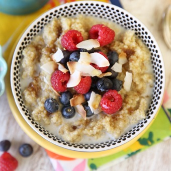 th_Coconut-and-Berries-on-top-of-sweet-breakfast-quinoa