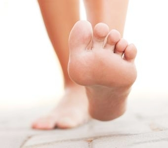 th_feet-foot-walking