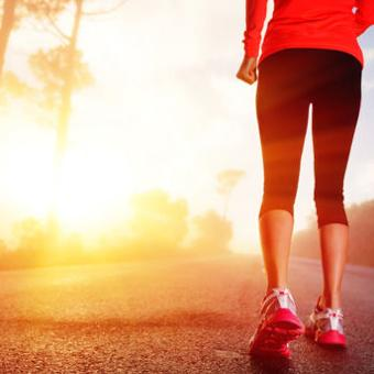 th_female-running-morning-workout-sunrise_article_new1
